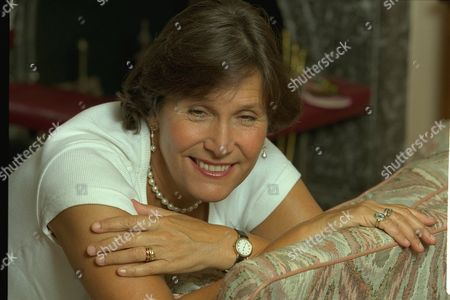 Josceline Dimbleby Wife Of David Dimbleby Cook Book Writer Pictured At Her Chiswick Home.daily Mail Interview.