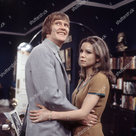 Stock Picture of 'Love Story - A Man Alone' - The Bodyguard   TV Dennis Waterman and Philippa Gail