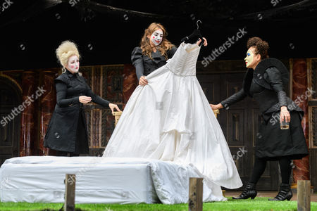 Blythe Duff (Nurse), Kirsty Bushell (Juliet), Martina Laird (Lady Capulet)