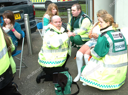 Young Eoghan Quigg fans recover backstage under the care of medics