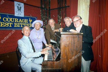 Stock Photo of RICHARD MURDOCH, PERLY EDWARDS, LESLIE SARONY, DORIS HARE