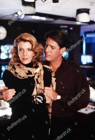 "'Fear Stalk'  TV Film - 1989 -  Alexandra ""Ally"" Maynard (Jill Clayburgh) and  Tom Hagen (Stephen Macht) in the television studio"