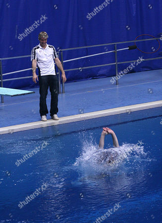 Justin Lee Collins takes the plunge at Ponds Forge for his new show with his mentor olympic diver Leon Taylor looking on