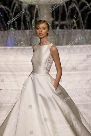 Stock Picture of Giulia Maenza on the catwalk