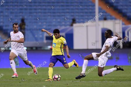 Al-Nassr player Yahya Al-Shehri (L) in action for the ball with Al-Shabab player Saud Kariri (R) during the Saudi Professional League soccer match between Al-Nassr and Al-Shabab at King Fahd International Stadium in Riyadh, Saudi Arabia, 29 April 2017.