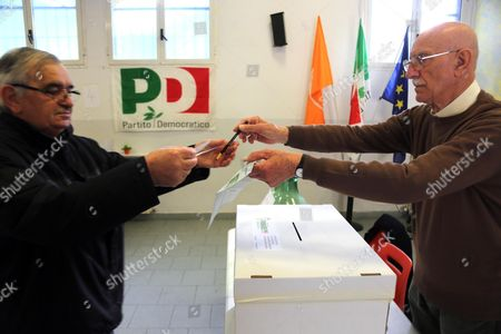 Centre-left supporters vote during the PD (Democratic Party) leadership primaries in Bologna, Italy, 30 April 2017. Former premier Matteo Renzi is by far the front-runner in the PD leadership race, ahead of Justice Minister Andrea Orlando, while Puglia Governor Michele Emiliano is lagging far behind in third place.