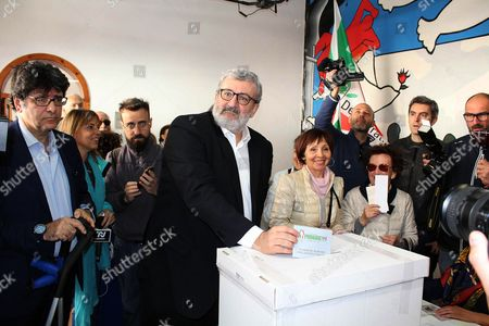 Puglia Governor Michele Emiliano casts his ballot for the PD (Democratic Party) leadership primaries in Bari, southern Italy, 30 April 2017. Former premier Matteo Renzi is by far the front-runner in the PD leadership race, ahead of Justice Minister Andrea Orlando, while Puglia Governor Michele Emiliano is lagging far behind in third place.