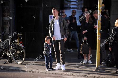 Stock Photo of Leonardo Ivan Perisic and son