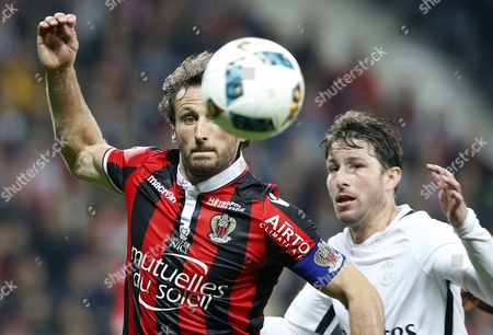 Paul Baysse of OGC Nice (L) vies for the ball with Maxwell of Paris Saint Germain (R) during the French Ligue 1 soccer match, OGC Nice vs Paris Saint Germain, at the Allianz Riviera stadium, in Nice, France, 30 April 2017.