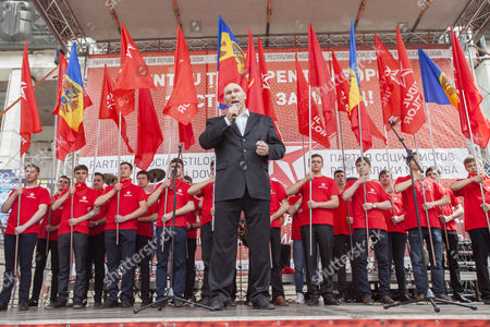 Nikolai Valuev, Russian former professional boxer, delivers a speech at a rally on the occasion of May Day in front of National Opera and Ballet Theatre of Moldova in Chisinau, Moldova, 01 May 2017. Labor Day or May Day is observed all over the world on the first day of May to celebrate the economic and social achievements of workers and fight for labourers rights.