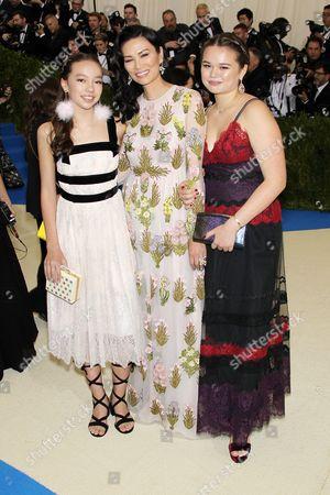 Chloe Murdoch, Wendi Deng Murdoch, Grace Murdoch