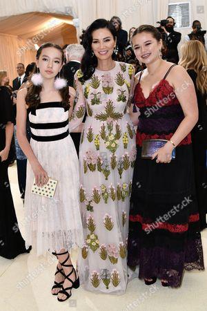 Chloe Murdoch, Wendi Deng Murdoch and Grace Murdoch