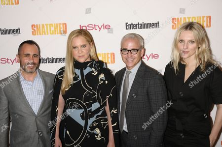 (L-R) Henry Goldblatt, Amy Schumer, Jess Cagle and Laura Brown
