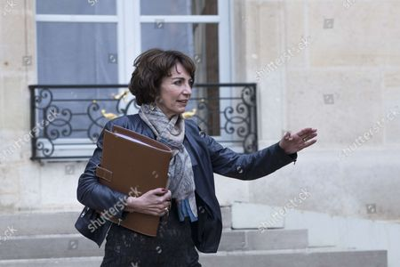 French Minister for Social Affairs and Health Marisol Touraine leaves after the weekly cabinet meeting