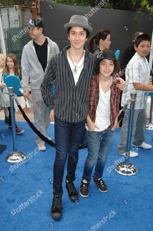 Stock Image of Naked Brothers Band - Nat and Alex Wolf