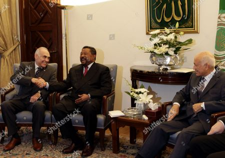 Arab League Secretary General Nabil Elaraby (r) Looks on As the Chairperson of the African Union Commission Jean Ping (c) and Egypt's Foreign Minister Mohammed Kamel Amr (l) Share a Laugh During Their Meeting at the Arab League Headquarters in Cairo Egypt 03 September 2011 According to Local Media Sources Secretary General of the Arab League Nabil Elaraby and Egypt's Foreign Minister Mohammed Kamel Amr Met on 03 September with African Union (au) Chairperson Jean Ping and Organization of the Islamic Conference (oic) Representative to Discuss the Palestinian Project of Requesting the Recognition of a Palestinian State by the United Nations Later in September Egypt Cairo