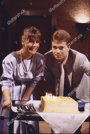 Wendy Jane Walker (as Susan Barlow) and David Lonsdale (as Peter Barlow)