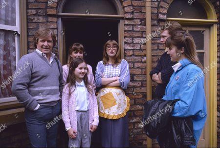 William Roache (as Ken Barlow), Wendy Jane Walker (as Susan Barlow), Holly Chamerette (as Tracey Barlow), Anne Kirkbride (as Dierdre Barlow), David Lonsdale (as Peter Barlow), Christina Barryk (as Jessica Midgeley)
