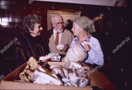 Stock Image of June Broughton (Joan Lowther), David Scase (as Dr Robert Lowther) and Jean Alexander (as Hilda Ogden)