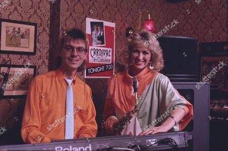Karen Frost, Willie Danson (Carnival)