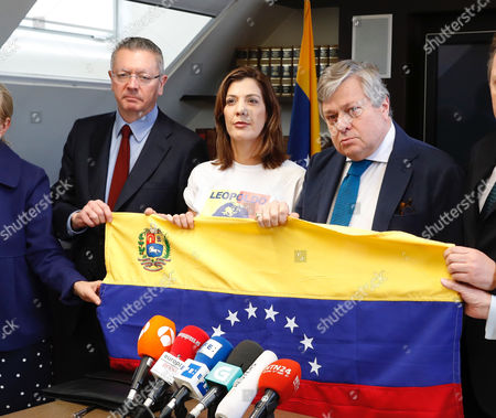 Venezuelan imprisoned opposition leader Leopoldo Lopez's father Leopoldo Lopez (R) and sister Diana Lopez (C) join former Spanish Justice minister Alberto Ruiz-Gallardon (L) during a press conference held in Madrid, Spain, 05 May 2017. The family members have asked the International Committee of the Red Cross to verify the health of opposition leader Leopoldo Lopez who has been in a Venezuelan prison since 2014.