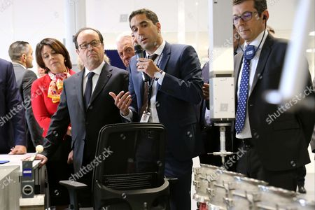 Sylvia Pinel, Francois Hollande - President Francois Hollande visiting the Liebherr-Aerospace factory