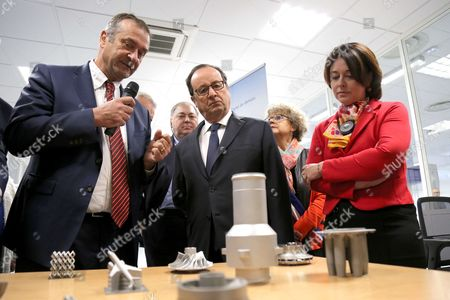 Francis Carla (Liebherr Managing Director), Francois Hollande, Sylvia Pinel - President Francois Hollande visiting the Liebherr-Aerospace factory