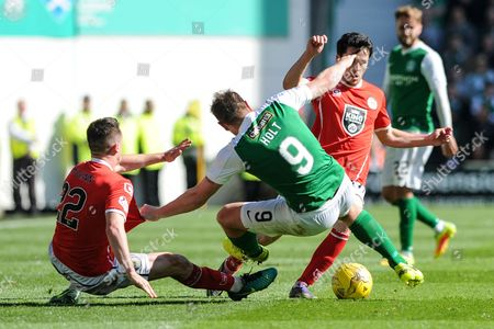 Hibs' Grant Holt was well marked throughout the Ladbrokes Scottish Championship match between Hibernian and St Mirren at Easter Road, Edinburgh