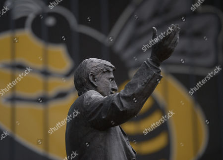 The Jimmy Hill statue in front of the Wasps emblem ahead of the Aviva Premiership Rugby match between Wasps and Saracens played at the Ricoh Arena, Coventry on 6th May 2017