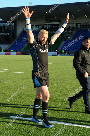 Sean Lamont - Glasgow winger waves to the fans after playing his last match in a Warriors jersey as he retires from the game