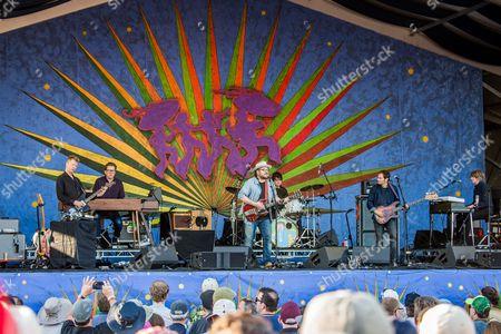 Wilco - Nels Cline, Mikael Jorgensen, Jeff Tweedy, Glenn Kotche, John Stirratt and Pat Sansone