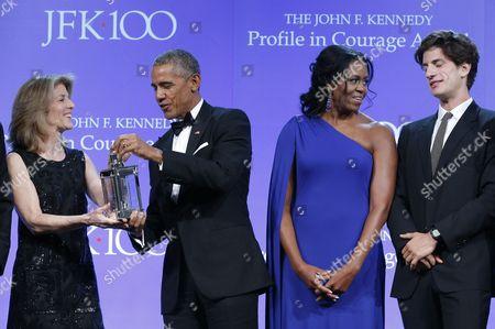 Barack Obama, Caroline Kennedy Schlossberg, Jack Scholssberg and Michelle Obama