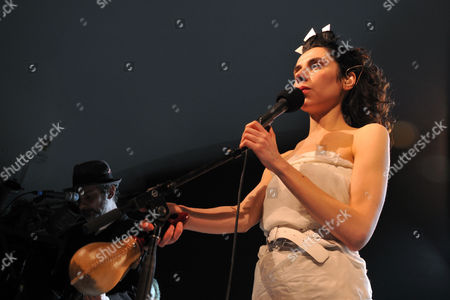 PJ Harvey and John Parish play at Stubbs