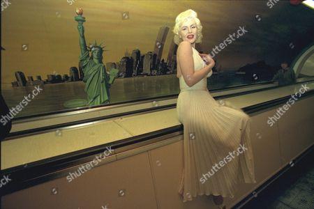 Marilyn Monroe look-alike Pauline Bailey
