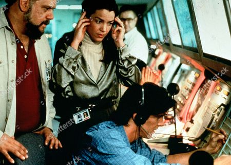 'A Wing and a Prayer' - At Shelley and Jack's (Claudia Christian and Jeff Yagher) place of work- air traffic control centre in Salt Lake City.
