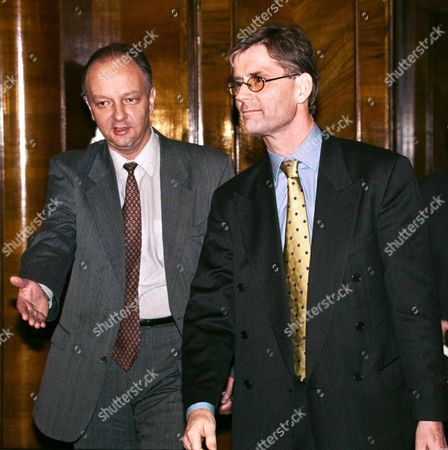 Moscow Russian Federation: the Head of Osce Fact-finding Mission in Chechnya Kim Traavik (r) Arrives For a Meeting with Russian Deputy Foreign Minister Yevgeny Gusarov (l) in the Russian Foreign Ministry in Moscow on Thursday 11 November 1999 Traavik Described Refugee Problem As Serious and Warned the Situation in Make-shift Russian Camps Could Deteriorate Further the Ocse Mission Chief Said Later Told the Press That the Team was Allowed to See Two Refugee Camps and the Kavkaz Checkpoint on the Ingush-chechen Border But was Denied Permission to Enter the Northern Chechen Territories Now Under Russian Command