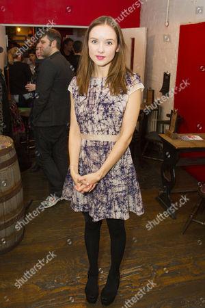 Alexandra Dowling (Beth)