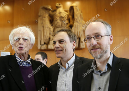 (L-R) Applicants and members of the party Buendnis90/Die Gruenen in the German parliament, Hans-Christian Stroebele, Gerhard Schick, Matthias Gastel pose in a court of the German Constitutional Court to their oral hearing on 'Information of the Parliament on financial market supervision and Deutsche Bahn AG' at the Constitutional Court in Karlsruhe, Germany, 09 May 2017. The Federal Constitutional Court is negotiating a dispute between the members of the German Bundestag and the German Bundestag, Buendnis 90 / Die Gruenen, against the Federal Government.