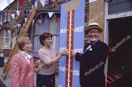 Eileen Derbyshire (as Emily Bishop), Annie Tyson (as Jean Meredith) and Bill Waddington (as Percy Sugden)
