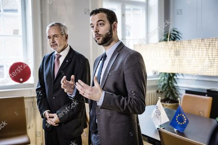 Doorstep Press Conference with Danish Minister of Economy Morten Ostergaard (r) and President of the European Investment Bank Werner Hoyer (l) at Ostergaards Office in Copenhagen Denmark 29 January 2015 the Visit Will Focus on an Investment For Europe and the Necessary Partnerships to Be Concluded in This Respect Denmark Copenhagen