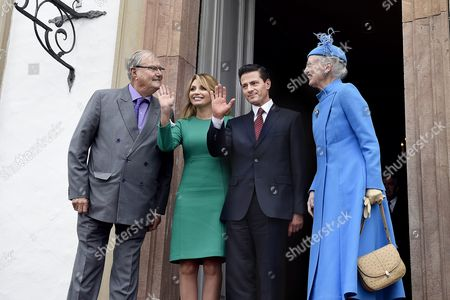 Mexico's President Enrique Pena Nieto (2-r) and His Wife Angelica Rivera (2-l) Are Welcomed by Queen Margrethe of Denmark (r) and Her Husband Prince Consort Henrik (l) on Fredensborg Castle in Copenhagen Denmark 13 April 2016 the Mexican President is on an Official Visit to Denmark Epa/mathias Loevgreen Bojesen Denmark out Denmark Fredensborg