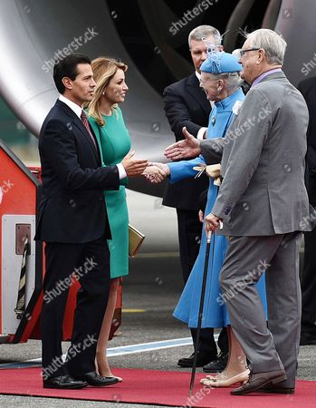 Mexico's President Enrique Pena Nieto (l) and His Wife Angelica Rivera (2-l) Are Welcomed by Queen Margrethe of Denmark (2-r) and Her Husband Prince Consort Henrik (r) at the Airport in Copenhagen Denmark 13 April 2016 the Mexican President is on an Official Visit to Denmark Denmark Copenhagen