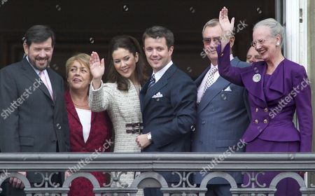 Danish Queen Margrethe Prince Consort Henrik Crown Prince Frederik Australian Mary Donaldson Her Stepmother Susan Moody and Her Father John Donaldson (seen From Right) Wave to the Crowd From a Balcony of the Royal Palace of Amalienborg Wednesday 08 October 2003 After the Official Announcement of the Engagement of the Crown Prince Frederik with Ms Donaldson Denmark Copenhagen