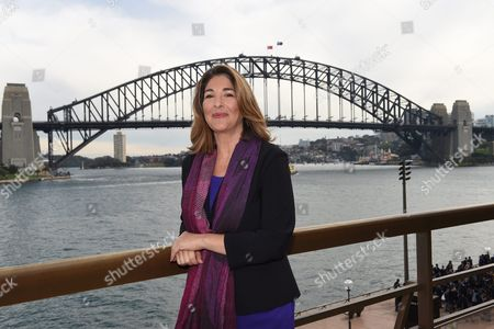 Canadian Author and Climate Change Activist Naomi Klein Poses For Photographs in Front of the Sydney Harbour Bridge Following a Press Conference at the Sydney Opera House in Sydney Australia 03 September 2015 Naomi Klein Will Be Speaking at the Festival of Dangerous Ideas This Weekend