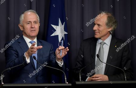 Australian Prime Minister Malcolm Turnbull (l) and Newly Appointed Chief Scientist Dr Alan Finkel (r) Speak to the Media During a Press Conference at Parliament House in Canberra Australia 27 October 2015 Dr Finkel Will Replace Current Chief Scientist Professor Ian Chubb Whose Appointment Finishes at the End of the Year