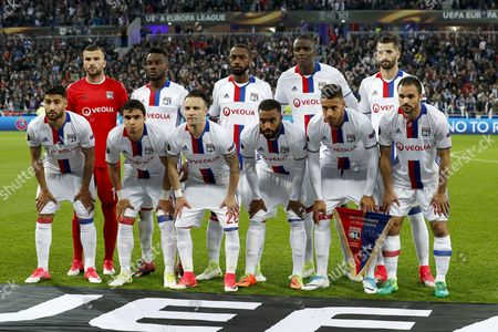 (L-R) goalkeeper Anthony Lopes of Olympique Lyonnais, Maxwel Cornet of Olympique Lyonnais, Nicolas Nkoulou of Olympique Lyonnais, Mouctar Diakhaby of Olympique Lyonnais, Maxime Gonalons of Olympique Lyonnais  (L-R) Nabil Fekir of Olympique Lyonnais, Rafael of Olympique Lyonnais, Mathieu Valbuena of Olympique Lyonnais, Alexandre Lacazette of Olympique Lyonnais, Corentin Tolisso of Olympique Lyonnais, Jeremy Morel of Olympique Lyonnais