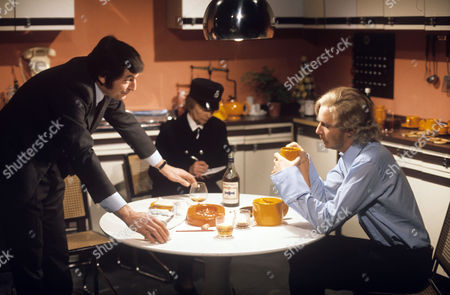Stock Image of 'Orson Welles Great Mysteries' - 'Death of an Old Fashioned Girl' - Jon Laurimore and Stephan [Stephen] Chase.