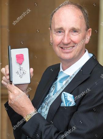 Jonathan Agnew awarded an MBE