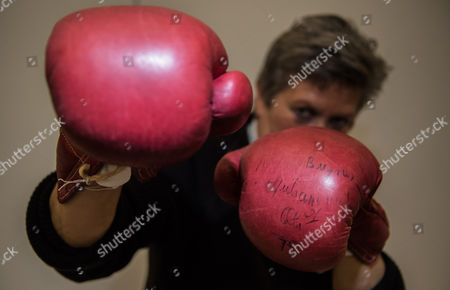 Stock Image of The iconic boxing gloves worn by Muhammad Ali in the World Heavyweight Championship bout versus Joe Bugner in Kuala Lumpur on 30th June 1975 are expected to fetch £40,000-60,000 when they are included in an auction of Sporting Memorabilia by Graham Budd Auctions on May 15th 2017