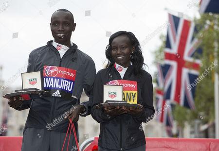 The Men's and Women's Race winners Daniel Wanjiru KEN and Mary Keitany KEN.